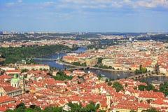 Prague sikt från över Arkivbilder