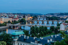 Prague sikt i natt Royaltyfria Foton