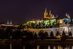 Prague sikt i natt Arkivbild
