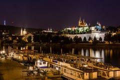 Prague sikt i natt Royaltyfria Bilder