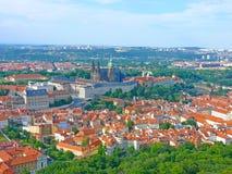 Prague slott med domkyrkast Vitus, den Wenceslas och för st Adalbert domkyrkan, Prague, Tjeckien Royaltyfri Bild