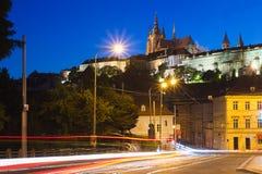 Prague slott på skymning, Tjeckien Royaltyfri Fotografi