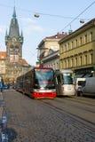 Prague spårvagn på gatan. Royaltyfria Foton