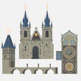 Prague stad, Tjeckien Kyrka av modern av guden för Tyn, gammal stadfyrkant i europeisk stad Berömt turistlopp, popula Royaltyfri Bild