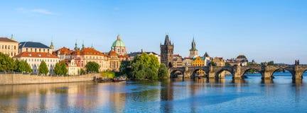 Prague stadshorisont - Tjeckien Royaltyfria Bilder