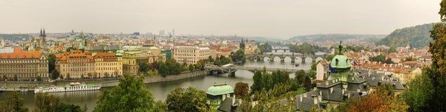 Prague stadspanorama arkivfoton