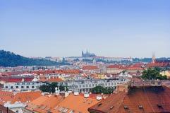 Prague stadssikt från Vysehrad Royaltyfria Foton
