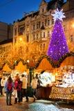 PRAGUE TJECK REPUBLIC-JAN 05, 2013: Prague julmarknad Arkivfoto