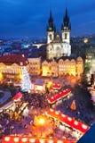 PRAGUE TJECK REPUBLIC-JAN 05, 2013: Prague julmarknad Royaltyfria Foton
