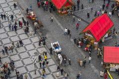 """PRAGUE TJECKIEN †""""December 12, 2011 Prague jul marknadsför Royaltyfria Bilder"""