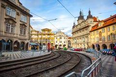 24 01 2018 Prague, Tjeckien - gå till och med gatorna Fotografering för Bildbyråer
