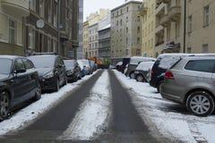 Prague Tjeckien - 10 Januari 2017 vanlig dag i staden Royaltyfri Fotografi