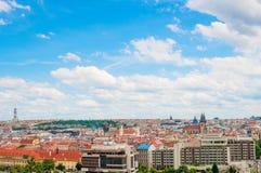 PRAGUE TJECKIEN - JUNI 17, 2016: Sikt på Prague Arkivfoton