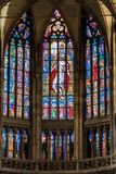 PRAGUE TJECKIEN - 12 kan, 2017: Den härliga inre av Sten Vitus Cathedral i Prague, Tjeckien Arkivfoto