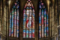 PRAGUE TJECKIEN - 12 kan, 2017: Den härliga inre av Sten Vitus Cathedral i Prague, Tjeckien Arkivfoton