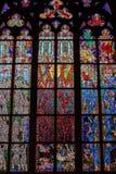 PRAGUE TJECKIEN - 12 kan, 2017: Den härliga inre av Sten Vitus Cathedral i Prague, Tjeckien Arkivbild
