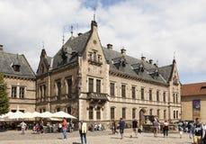 PRAGUE TJECKIEN - SEPTEMBER 02, 2015: Foto av byggnaden av folkets galleri i den Prague slotten Arkivfoton