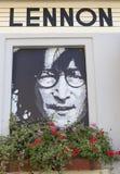 PRAGUE TJECKIEN - SEPTEMBER 05, 2015: Foto av John Lennon på den John Lennon baren Royaltyfri Foto