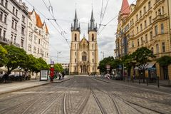 Prague/Tjeckien - September 09 2018: Kyrka av St Anthony arkivfoto