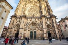 24 01 2018 Prague, tjeckiska Rebublic - främre sikt av den huvudsakliga entraen Royaltyfri Fotografi