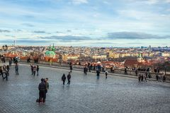 24 01 2018 Prague, tjeckiska Rebuplic - sikt av staden från oben Royaltyfri Bild