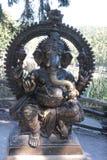 Prague zoo - hinduisk elefantstaty fotografering för bildbyråer