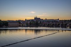 Praha horisont i Tjeckien arkivbilder
