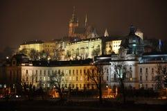 Praha na noite Fotos de Stock Royalty Free