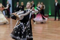 Prahov Iwan und europäisches Standardprogramm Sackevich Ekaterina Perform Juvenile-1 über nationale Meisterschaft stockbilder