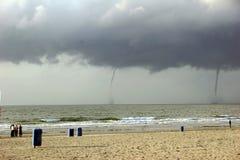 Praia abandonada pelo furacão da água Imagem de Stock Royalty Free