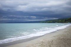 Praia antes da tempestade Imagens de Stock