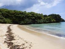 Praia azul do mar Imagem de Stock