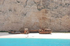 Praia azul greece do mar do console de Navagio - de Zakynthos foto de stock royalty free