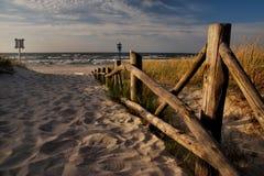 Praia Báltico antes da estação turística Imagem de Stock Royalty Free
