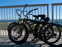 A praia bicycles Santa Cruz California Imagem de Stock