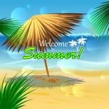 Praia bonita com parasol da palha Imagens de Stock Royalty Free