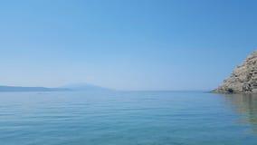 Praia bonita de Aselinos dos micros na ilha de Skiathos em Grécia, dia de verão fotografia de stock royalty free