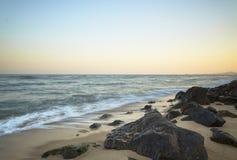 Praia bonita do por do sol no máximo Fotografia de Stock Royalty Free