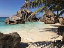 Praia bonita em Seychelles Fotos de Stock