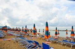 A praia bonita situada ao longo da costa de Conero no março fotografia de stock royalty free