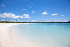 Praia branca da areia de Tanjung Aan, Lombok Foto de Stock Royalty Free