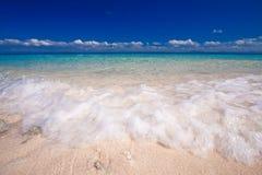 Praia branca da areia do console do paraíso imagem de stock royalty free