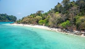 A praia branca de Koh Rang Isle de Ko soou o parque nacional imagens de stock