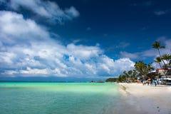 Praia branca famosa na ilha de Boracay, Filipinas fotografia de stock royalty free
