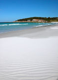 Praia branca perfeita Imagens de Stock Royalty Free