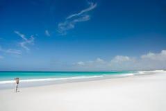 Praia branca perfeita Fotos de Stock Royalty Free