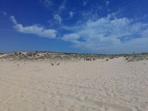 Praia, céu e água Imagens de Stock Royalty Free