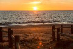 Praia Cabo de Gata durante o por do sol fotos de stock