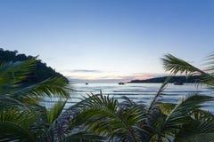 Praia calma do por do sol em Tailândia Imagem de Stock