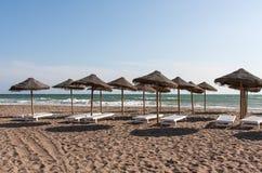 Praia com guarda-chuva Foto de Stock